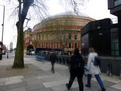 Nabo til Royal Albert Hall